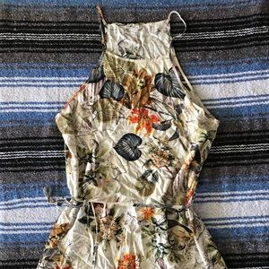 Dresses & Skirts - Floral pattern maxi dress with one slit. Size XL